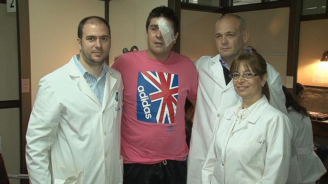 OPERACIÓN EXITOSA. Pena, Duarte (paciente), Piantoni y Bruno.