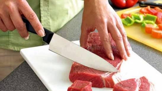La mayoría de los casos son producidos por el consumo de carne portadora de la bacteria